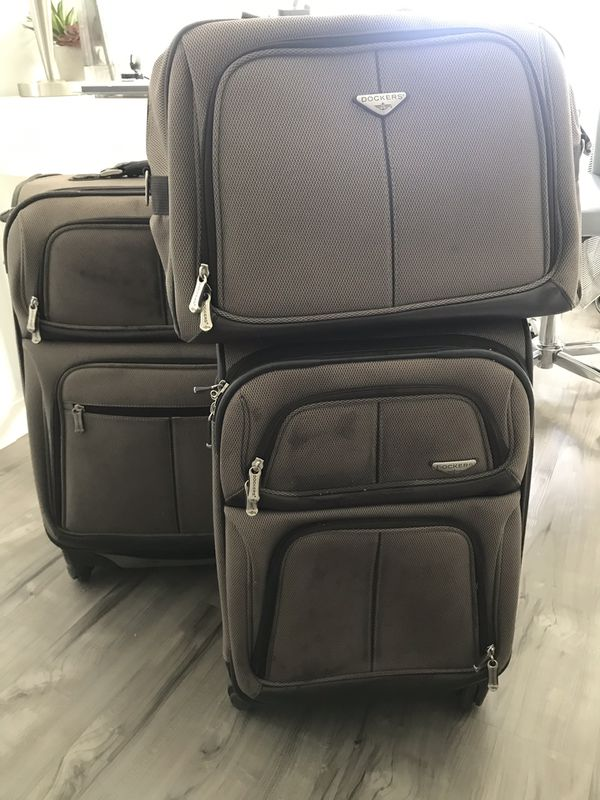 Dockers 3 Piece Luggage With 360 Wheels Expanding Handle