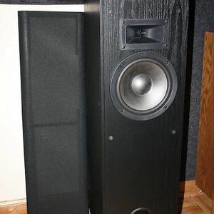 Klipsch KG 3.5 Floor Standing Speakers for Sale in Mesa, AZ