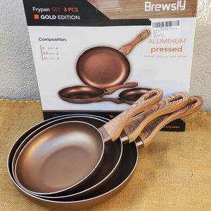 NEW Non-stick aluminum pressed frying pans set of 3 for Sale in Los Angeles, CA