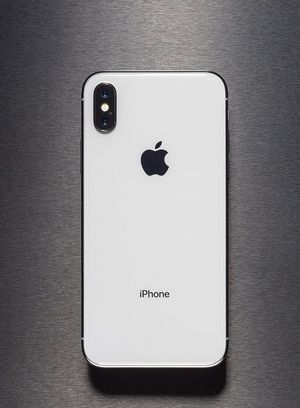 Unlocked iPhone X 64GB Silver for Sale in Providence, RI