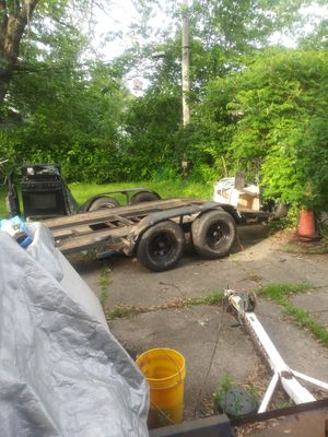 Car carrier 7000 lb capacity with winch for Sale in Cleveland, OH