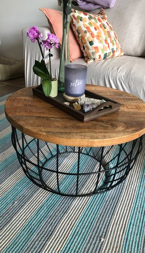Coffee / living room table for Sale in Long Beach, CA