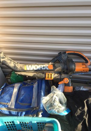 Leaf Vacuum/Weed Wacker for Sale in Chicago, IL