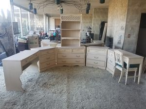 8 Piece Girls Bedroom Set for Sale in Rialto, CA