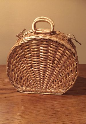 Vintage wicker shell basket/purse for Sale in Des Moines, WA