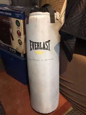 Boxing Punching Bag 70lbs for Sale in La Vergne, TN