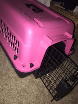 Small dog crate for Sale in North Las Vegas, NV