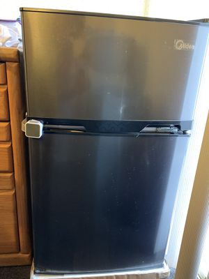 Midea small refrigerator for Sale in Salt Lake City, UT