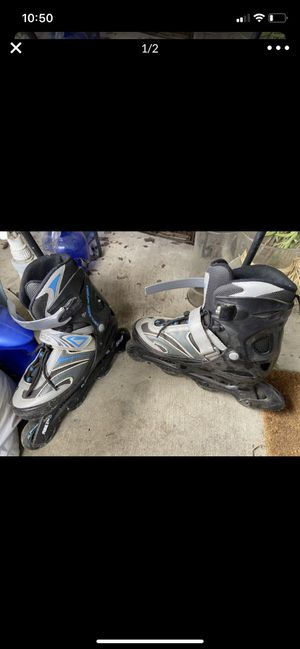 Skates ... chicago size 5-8 for Sale in Lathrop, CA