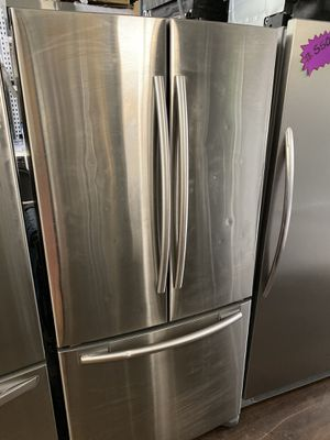 "Samsung compact 33"" French style refrigerator for Sale in San Juan Capistrano, CA"