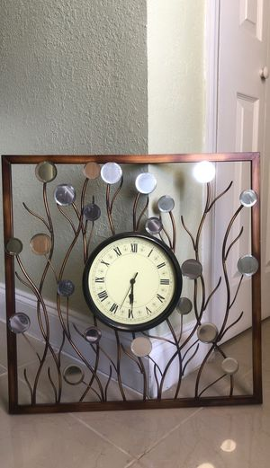 Clock with mirrors for Sale in Oakland Park, FL