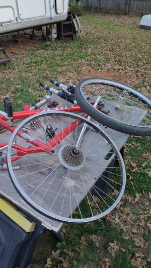 Trek 6000 frame and parts box for Sale in Euless, TX