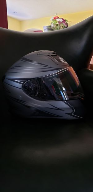 Shoei motorcycle helmet small with blue tooth installed for Sale in Jacksonville, FL