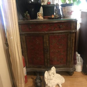 Small antique cabinet with matching mirror w for Sale in Lakehurst, NJ