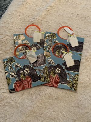 Lot 4 Hallmark Gift Bags Signature Series for Sale in Victoria, TX