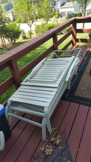 2 pool lounge chairs for Sale in Newport News, VA