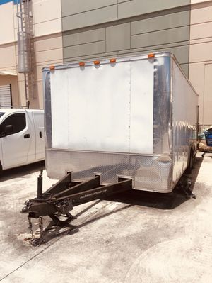 20 x 8 enclosed double axle heavy duty trailer for Sale in HALNDLE BCH, FL