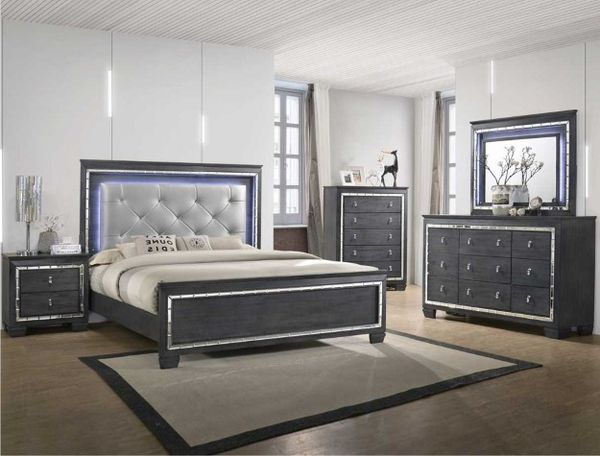 timeless design e3147 e6db0 Amazing Gray Queen bedroom set with a light up bed and light up mirror for  Sale in Nashville, TN - OfferUp