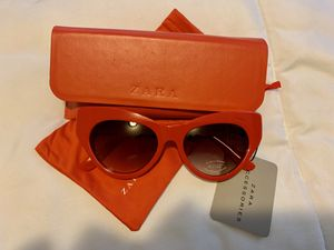 new zara sunglasses red for Sale in Kissimmee, FL
