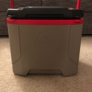 Igloo Cooler/Lunch Box for Sale in San Diego, CA
