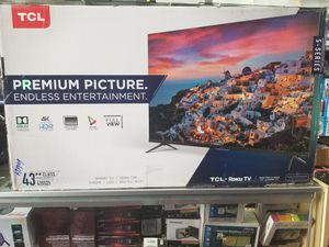 "43"" LED SMART 4K ULTRA HDTV BY TCL WITH ROKU STREAMING. 5 SERIES BORDLESS TV for Sale in Los Angeles, CA"