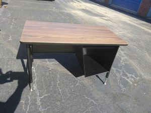 Desk $10 height adjustable 2 available for Sale in Wichita, KS