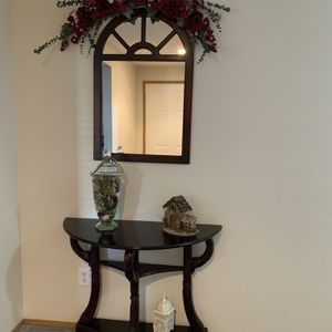 Consul table and Mirror for Sale in Vancouver, WA