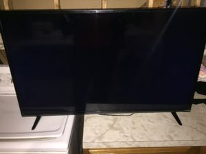 Vizio 32 in Tv Smart Tv Wifi for Sale in Woonsocket, RI