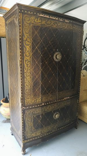 Large Armoire for Sale in Boca Raton, FL