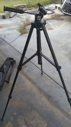 Velbon Vicitory 450 tripod for Sale in Belleview,  FL