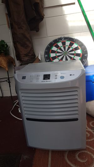 LG 45-pint Portable Energy Star Dehumidifier for Sale in Alafaya, FL