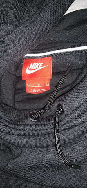 Nike sweater for Sale in Caruthers, CA