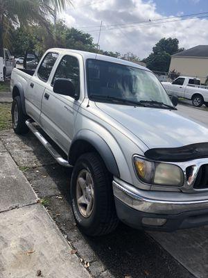 2003 Toyota Tacoma sr5 pre runner for Sale in Miami, FL