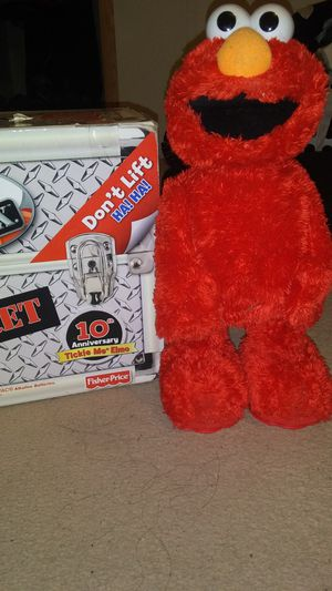 Fisher price Tickle Me Elmo TMX with top secret box for Sale in Victoria, TX