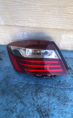 2016-2017 HONDA ACCORD TAIL LIGHT LEFT DRIVER SIDE OEM USED for Sale in Gardena, CA