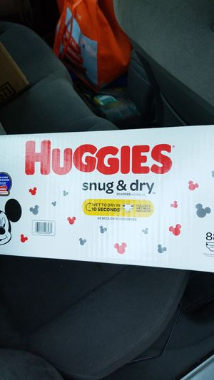 Huggies snug and dry diapers size 5 w wipes for Sale in Stuart, FL