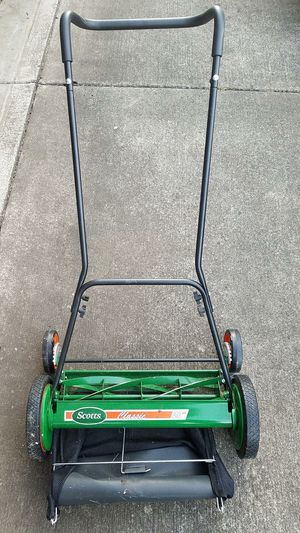 Push lawn mower almost new for Sale in Brooks, OR
