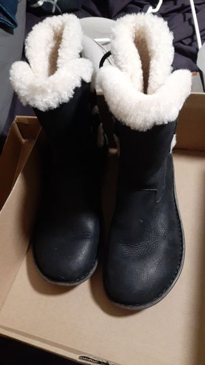 UGG Akadia boots for Sale in Tampa, FL