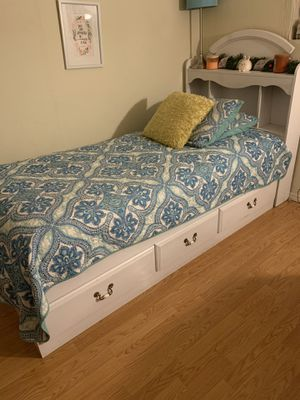 Twin bed frame and head board for Sale in San Jose, CA