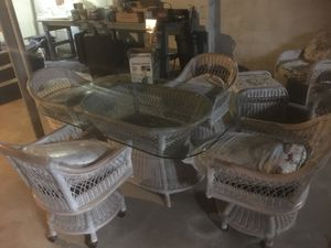 Patio Furniture Wicker Setup & Glass Table for Sale in Newark, DE