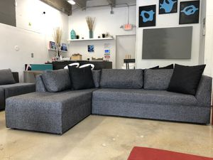 Modern sectional sofa couch for Sale in Fort Lauderdale, FL