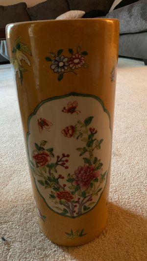 Flower pot for Sale in Macomb, MI