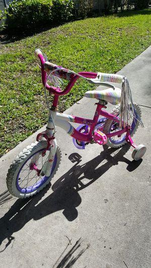 Girls care Bears bike tire 14in for Sale in Miami, FL