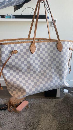 Louis Vuitton Hampton bag for Sale in San Diego, CA