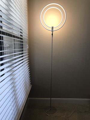 LED FLOOR LAMP for Sale in Dallas, TX