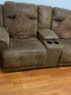 Recliner Couch for Sale in Philadelphia,  PA