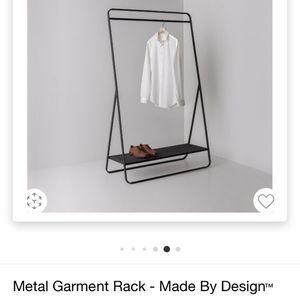 Garnet Rack Metal Mesh (Target) for Sale in Santa Ana, CA