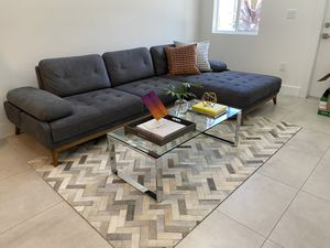 Sofa and coffee table (combo) for Sale in Miami, FL