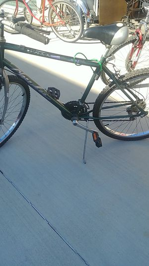 Huffy Mountain 18 speed mens for Sale in Norwalk, CA