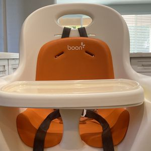 Boon High Chair With Wheels for Sale in Gilbert, AZ